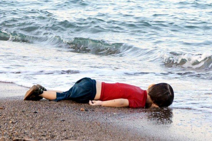 Photograph of Aylan Kurdi by Nilüfer Demir